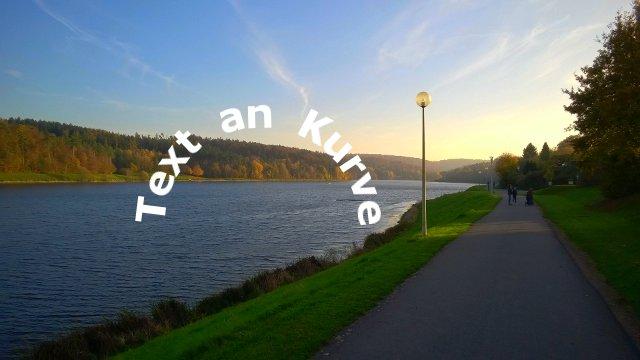 Originalbild Text an Kurve
