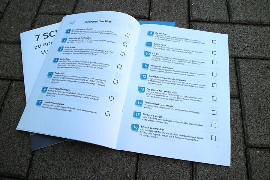 Broschüre mit Checklisten