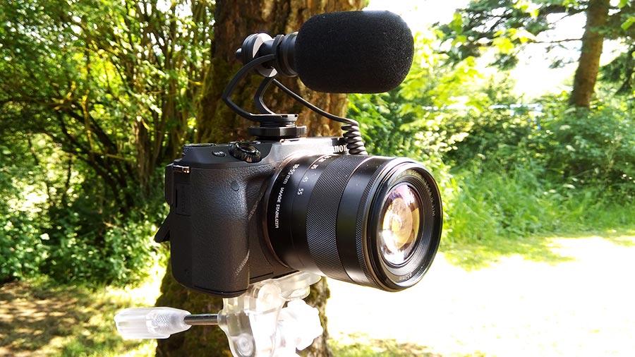 Comica Videomikrofon auf der Canon