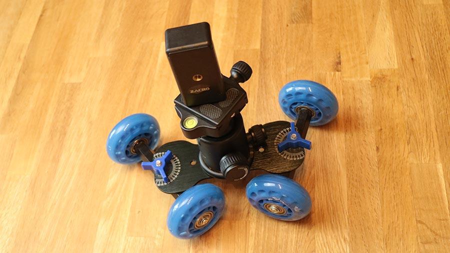 Kamera Dolly mit Stativaufsatz und Handlhalterung